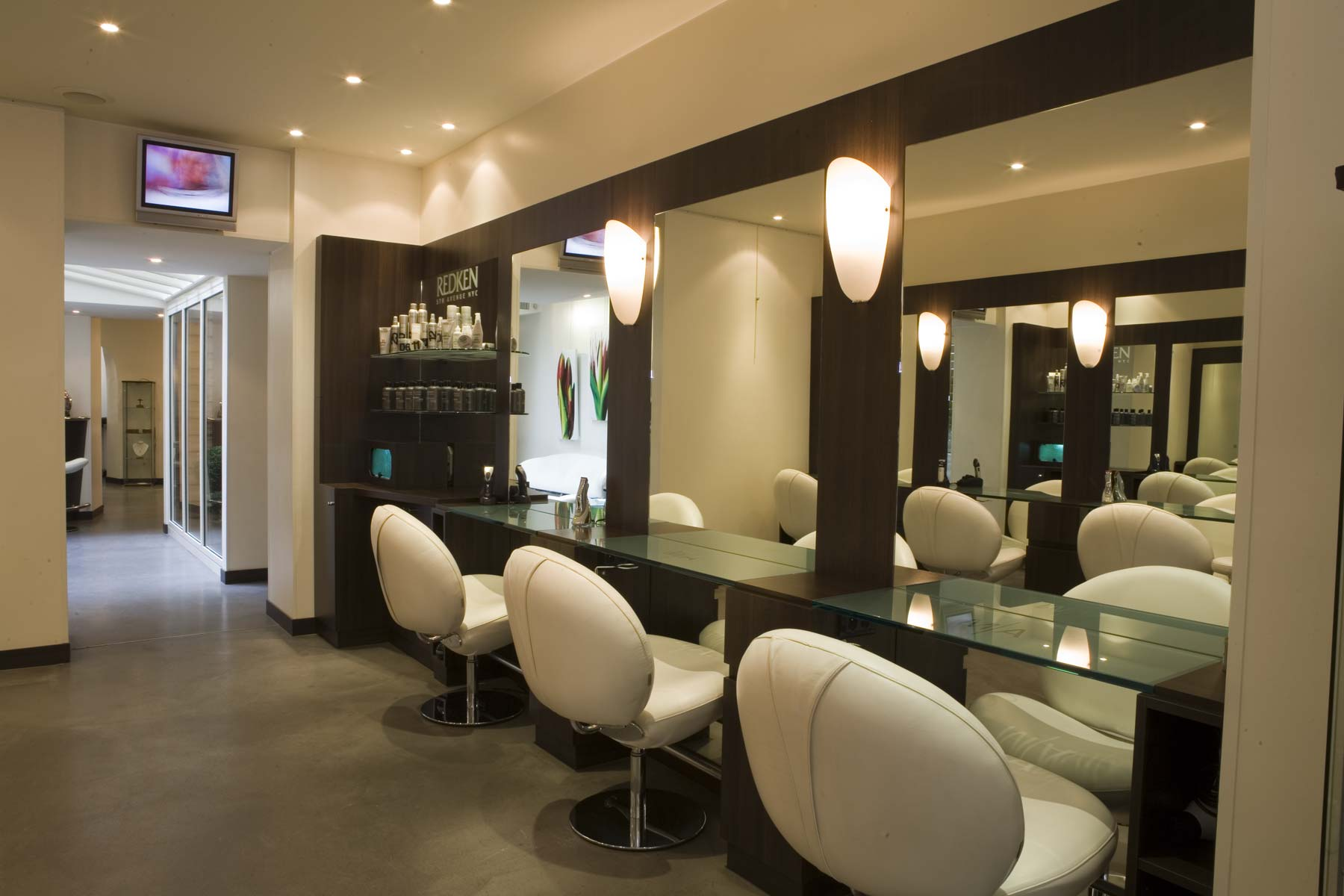 Emejing Salon Coiffure Moderne Contemporary - Amazing House Design ...